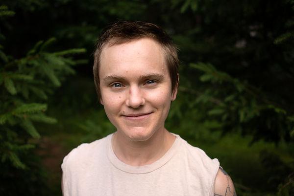 headshot for author Sandy Allen