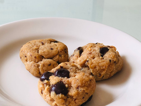 Vegan + GF peanut butter chocolate chip cookies