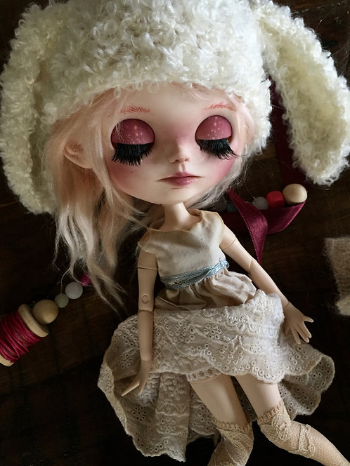 Bonnie & her creepy rabbit - blythe doll 9