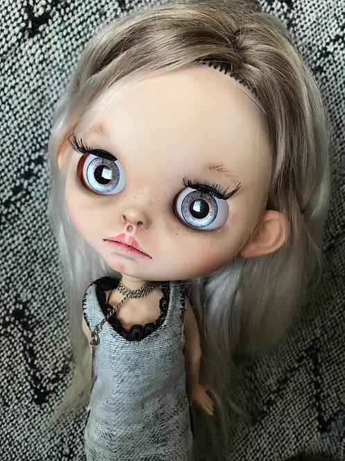 Mathilde- blythe doll 82