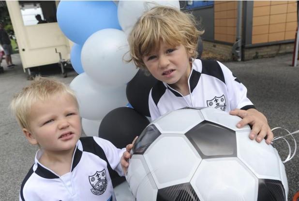 Cambridge KickstART holds family fun day at Histon FC grounds