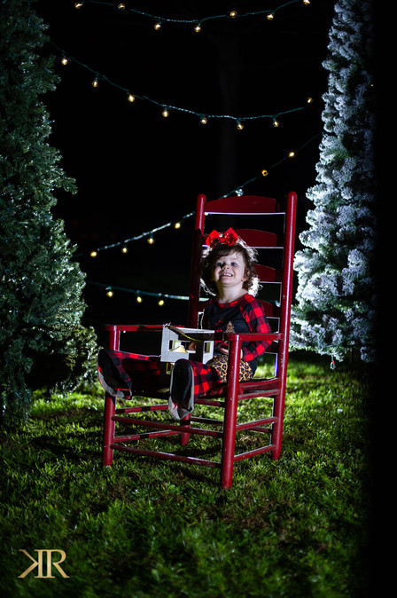 2020 Outdoor Christmas Pictures.jpg