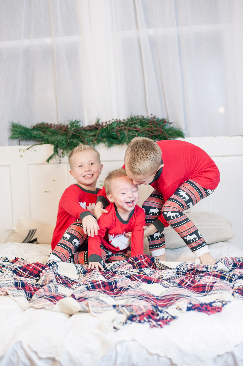 WV Christmas Portraits | Christmas Minis | Madison, WV Photographer | Charleston WV Portraits