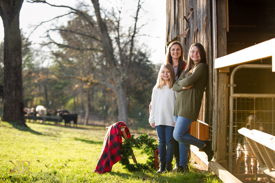 cave springs ga outdoor barn christmas pictures