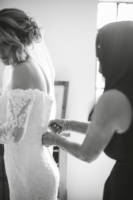 Bride and mother of the bride getting ready. North Georgia Photographer