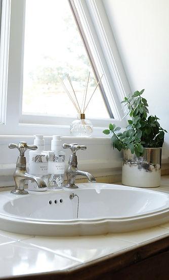 Bathroom_13.jpg