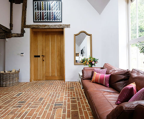 Hallway_24.jpg
