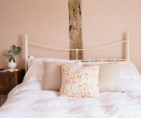 Bedroom_28.jpg