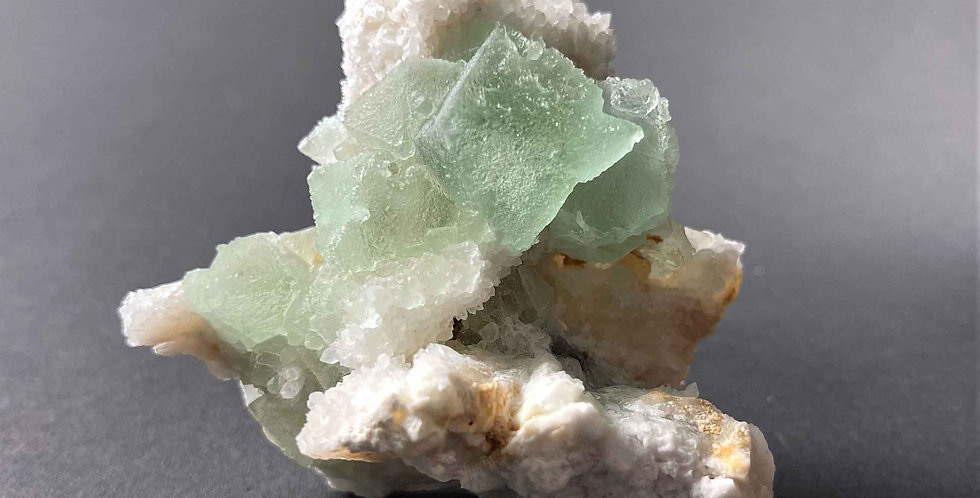 Fluorit auf Quarz – Oatman, Arizona, USA