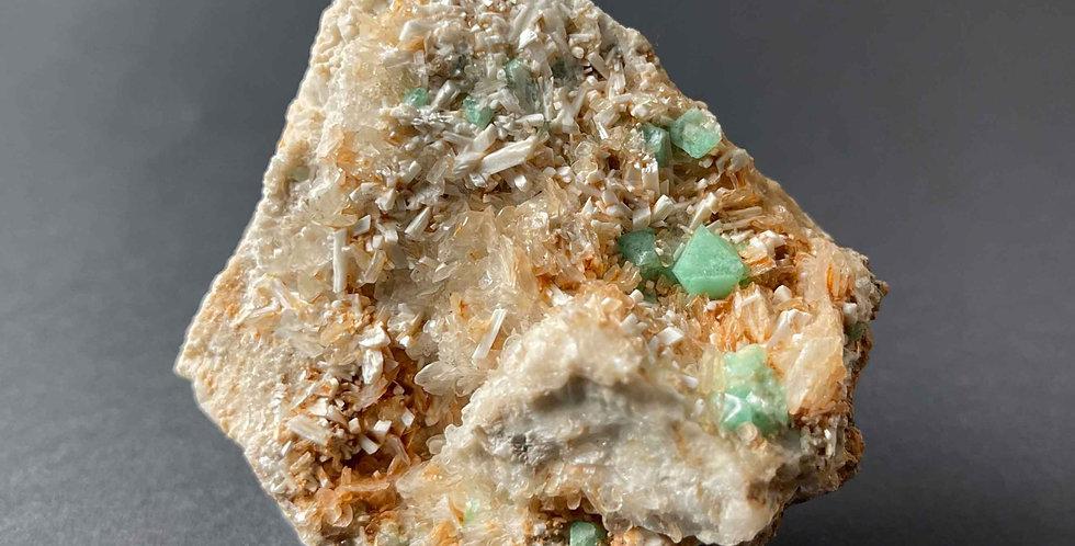 Fluorit, Baryt, Laumontit – Litice, CZ