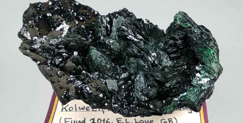 Malachit auf Heterogenit - Mutanda Mine, Katanga, DR Kongo