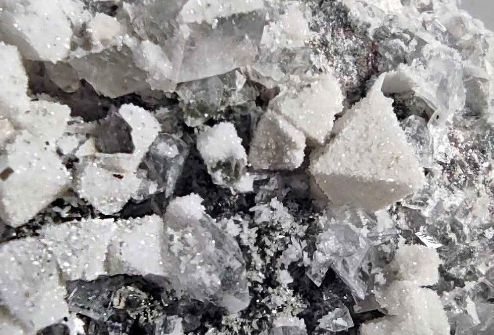 Quarz-Perimorphosen nach Fluorit - Prato-Schlucht, Val Lavizzara, Tessin, CH