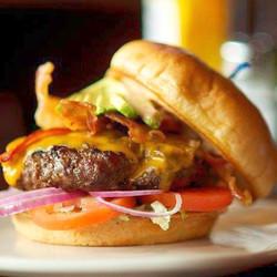 Loonies Burger_edited