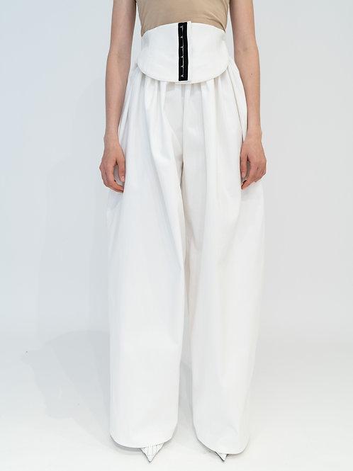 Объемные брюки с поясом-корсетом