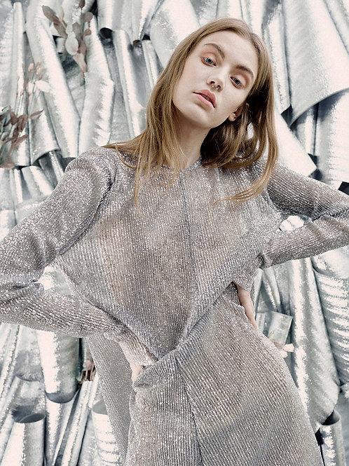Серебряное платье с пайетками