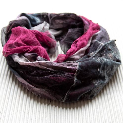 châle XL en soie avec mousseline de soie et velours de soie brodé