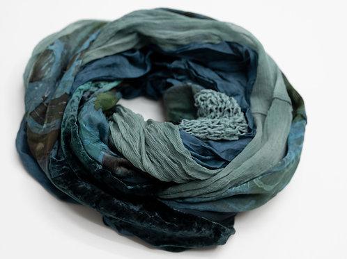Écharpe ronde XL en tissus de soie, tricot de soie et velours de soie