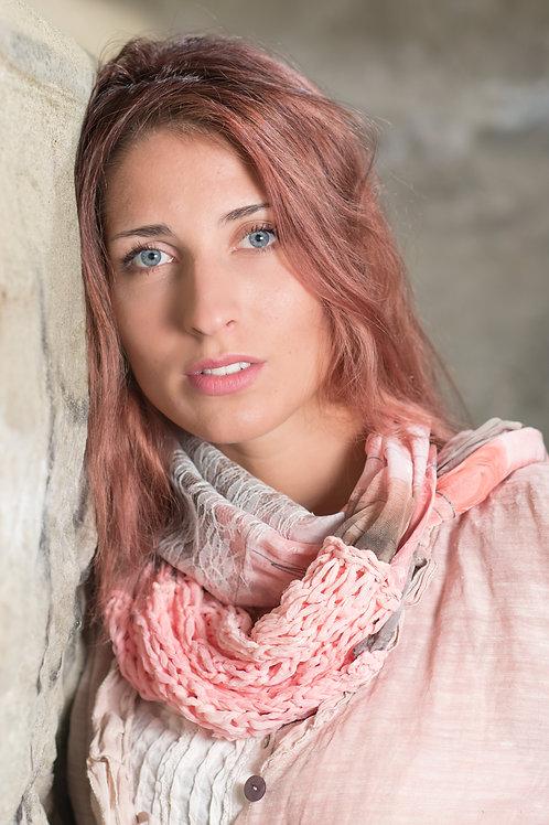 écharpe ronde en soie avec tricot de soie et tissu en dentelle