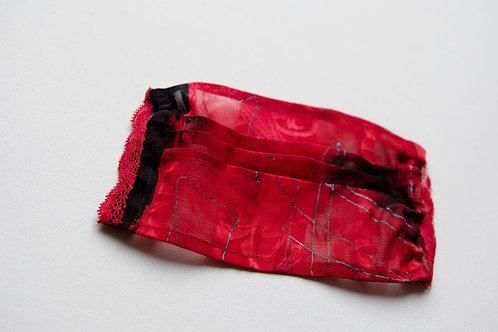 Masque de protection en soie peinte à la main