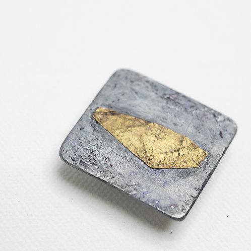 Magnetbrosche aus Titan, bicolor; ca. 3,5x3,5 cm