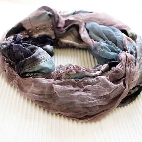 châle de soie avec mousseline de soie et ruban rose