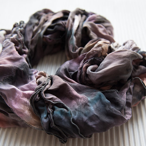 foulard de soie à volants