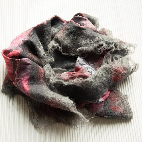 Châle en soie avec de la laine alpaca feutrée