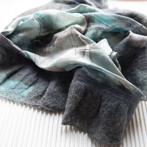 Châle aus Seide mit gefilzter  Alpaca-Wolle