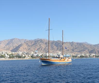 JORDANIA. Aqaba. EN BARCO POR EL MAR ROJO.