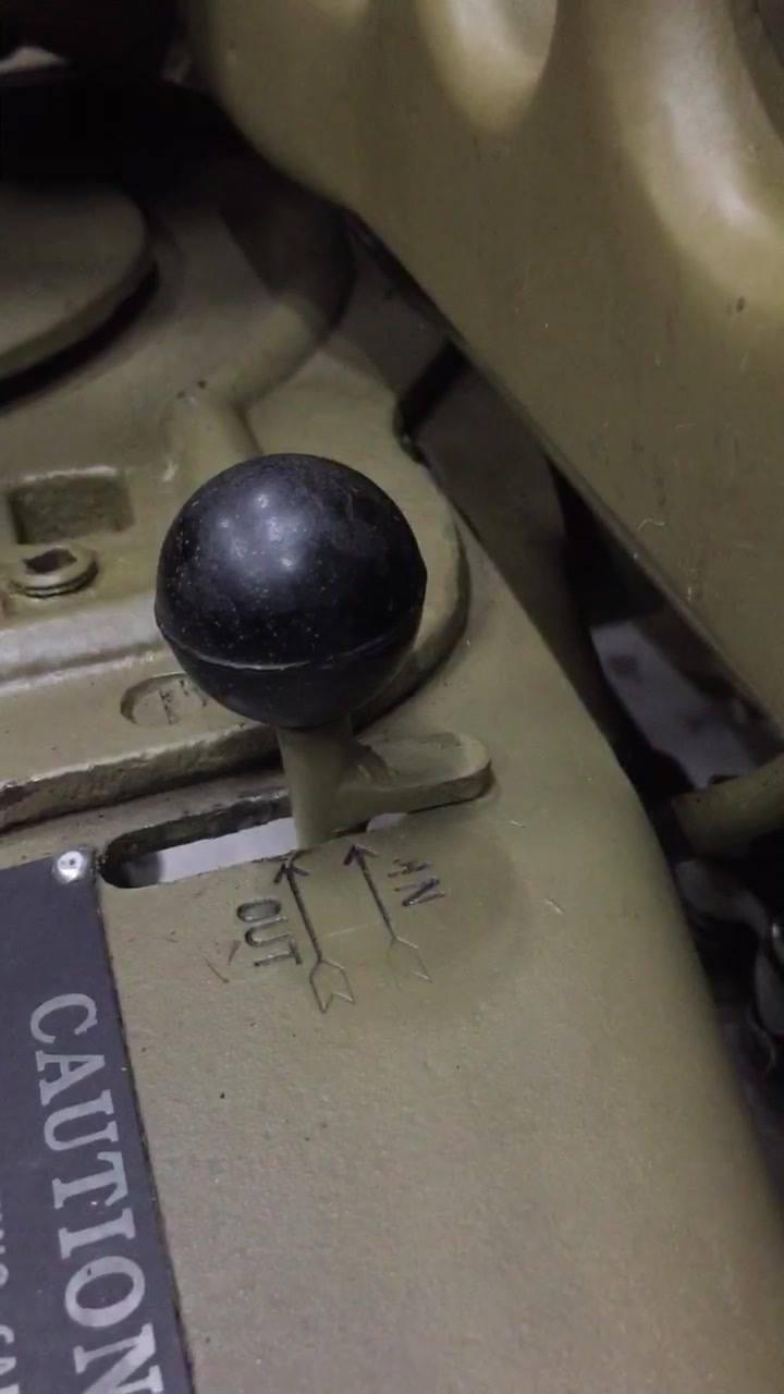 Einfache Sperre eingebaut, verhindert unbeabsichtigtes Einschalten des Seilspiels (Capstan)! 😎