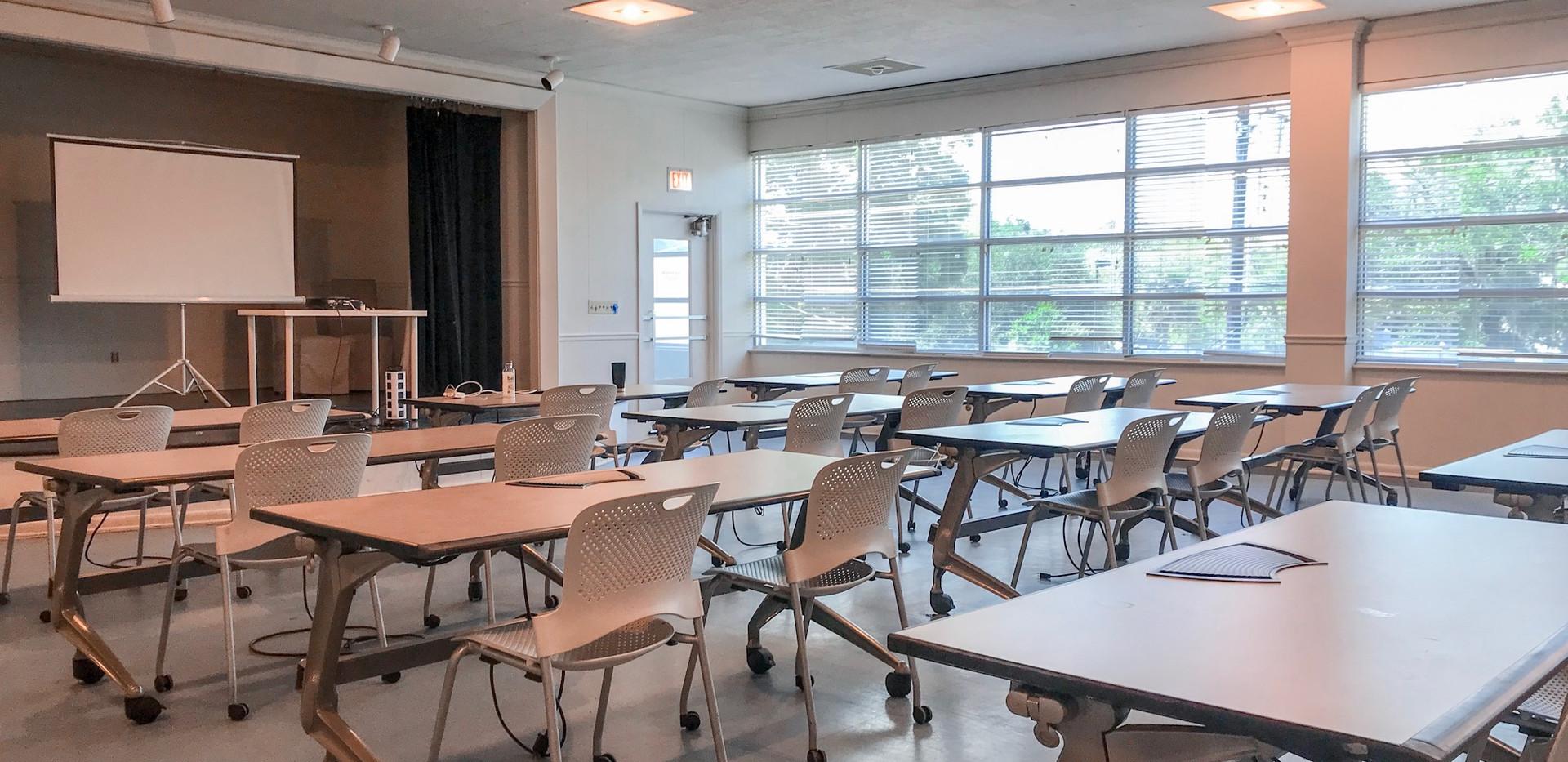 Auditorium/Meeting Room