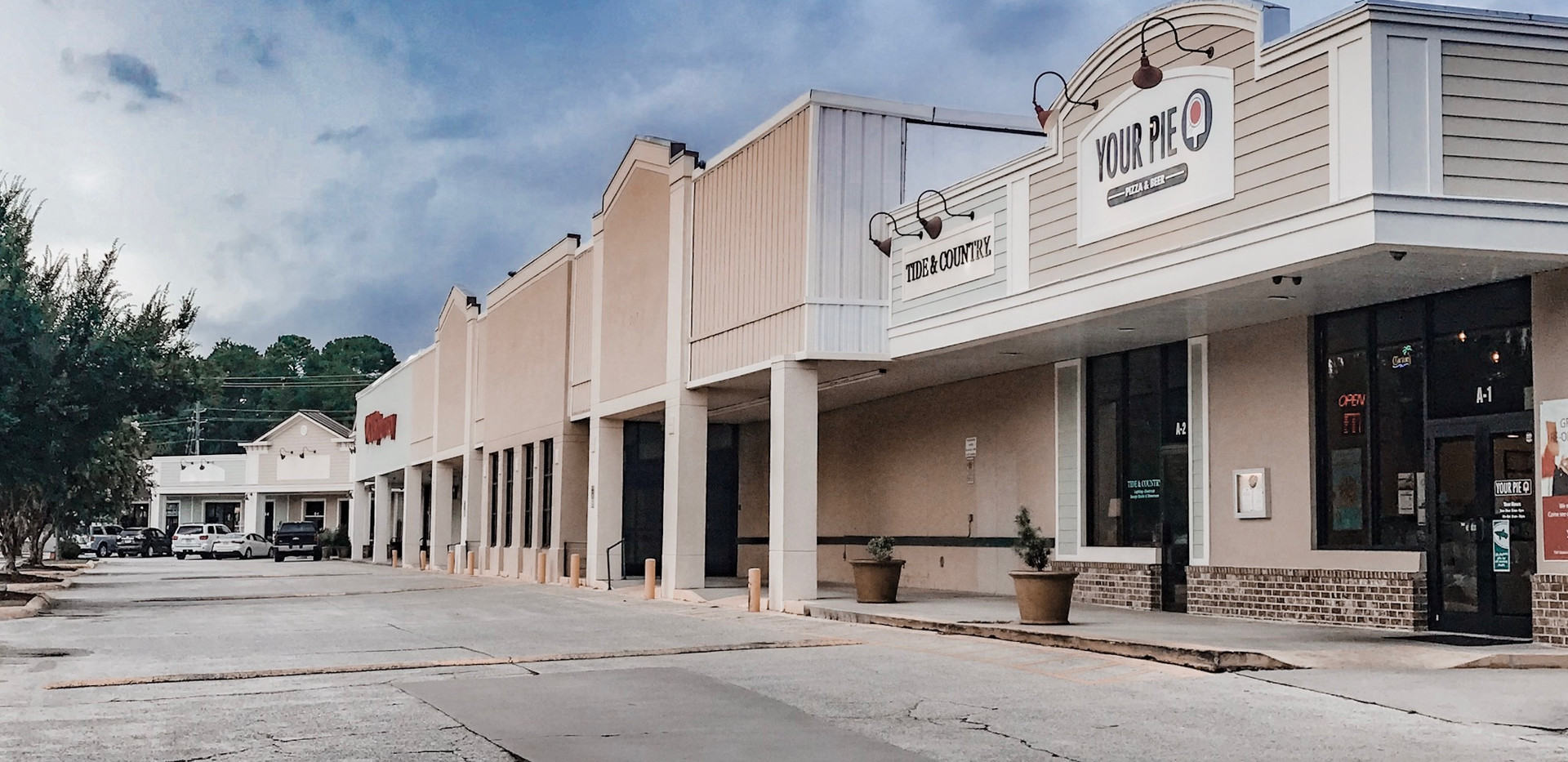 Big-Box Shops at Sandfly