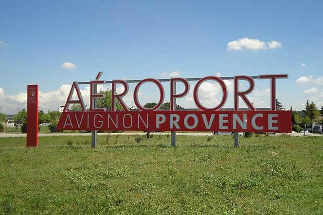 Aeroport-Avignon-Signaletiq.jpg