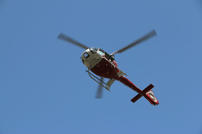 helicopter-3739443_1920.jpg