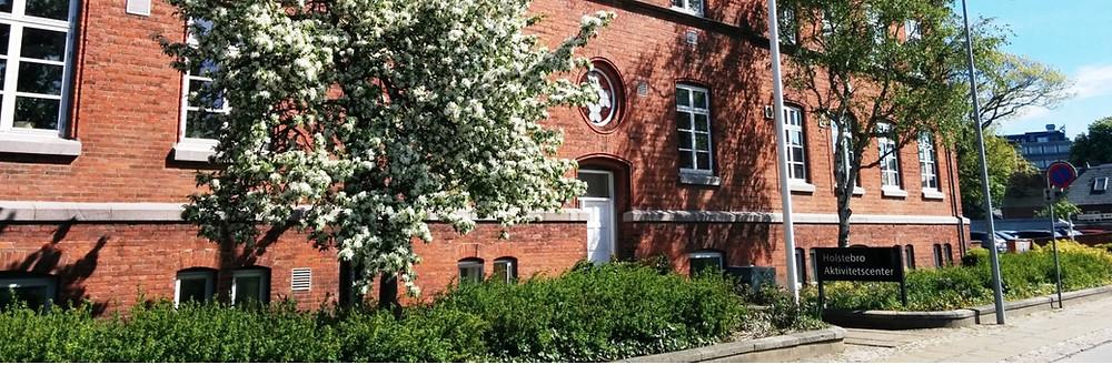 Holstebro Aktivitetscenter er et tilbud med kreative værksteder for borgere i Holstebro