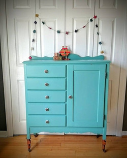 Baby Armoire