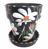5058-medium-flower-pot-standing-on-saucer_561x568.webp