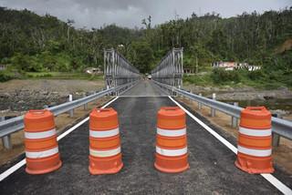 Inauguran segundo puente en Utuado