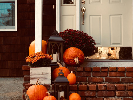 5 Ways to Dress Up Your Front Porch This Fall