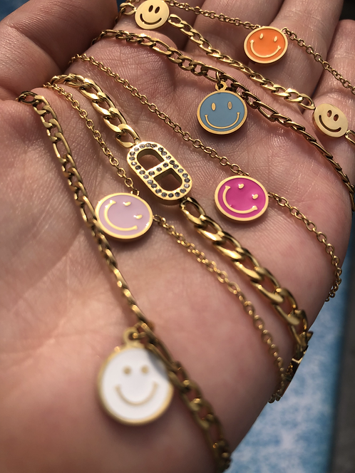 Lichtroze smiley ketting