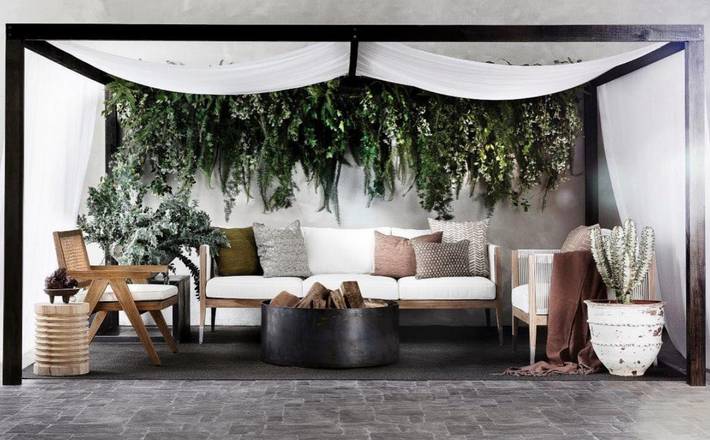 Patio hanging feature