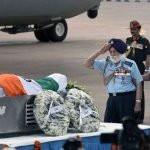 Wheelchair Bound Arjan Singh Pays His Last Tribute To APJ Abdul Kalam at Palam Airport