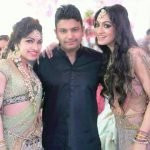 Tulsi Kumar with her brother and sister