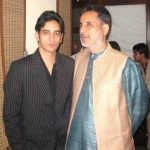 siddharth-arora-with-his-father