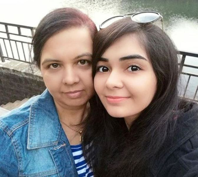 Dhruvi Jani with Her Mother