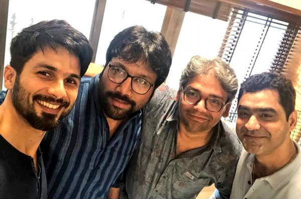 Sandeep Vanga with Shahid Kapoor and team members
