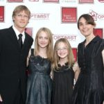 Dakota Fanning with her parents and sister