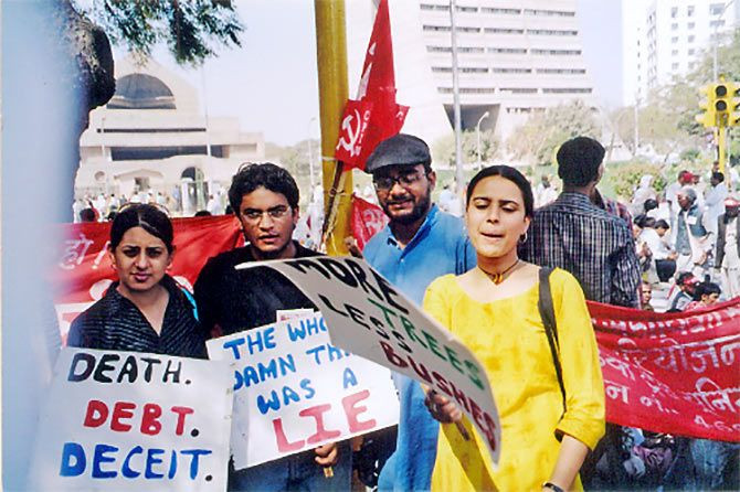 Swara Bhaskar protesting at JNU during her college days