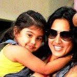 Kamya Punjabi with her daughter