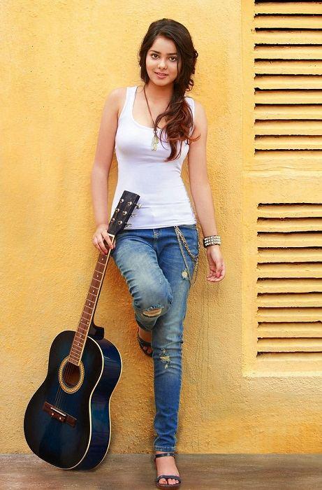 Shraddha Sharma Singer
